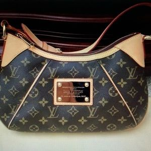 Louis Vuitton Thames PM Bag